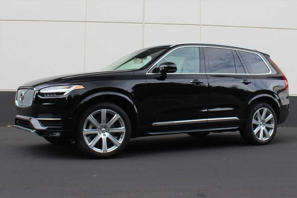 2016 Volvo XC90 recalled for leaky coolant hose, fire risk