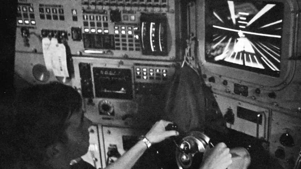 Check Out This Vintage Mystery Navigation Screen In The Conn Of A Sturgeon Class Nuke Sub