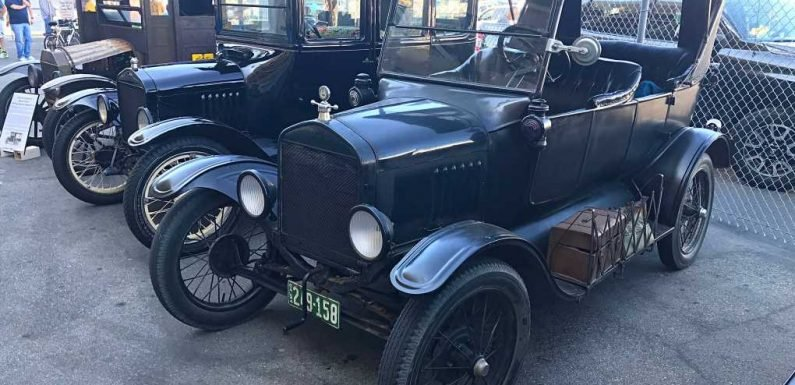 Swapping Early Ford Stuff at the Long Beach Model T Swap Meet