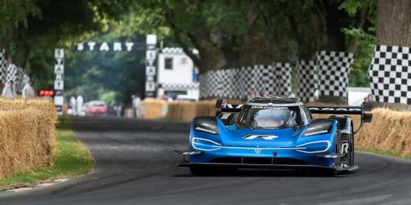 The ID.R Breaks the Goodwood Hillclimb Record Again, Beats F1 Car by Two Seconds