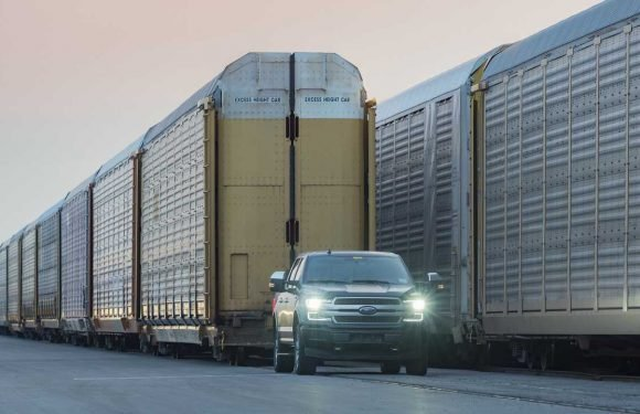 Watch Electric Ford F-150 Tow More Than 1 Million Pounds