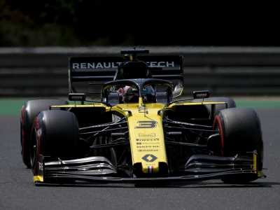 George Russell smiles, Daniel Ricciardo gets 'screwed' in F1 qualifying in Hungary