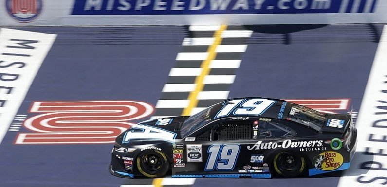 Truex takes Stage 1 win at Michigan after duel with Hamlin