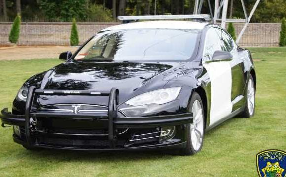 Californian Cops Outfit Tesla Model S as Future-Friendly Police Cruiser