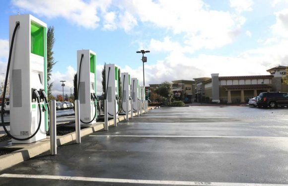 Ford To Partner With Electrify America On Ultra-Fast Charging