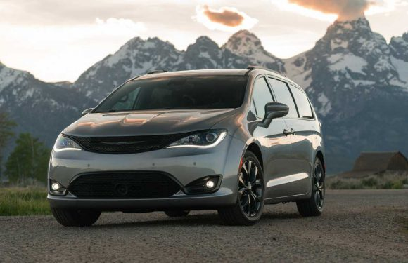 FCA Celebrates 15 Million Minivans Sold With A Crazy Photo Collage