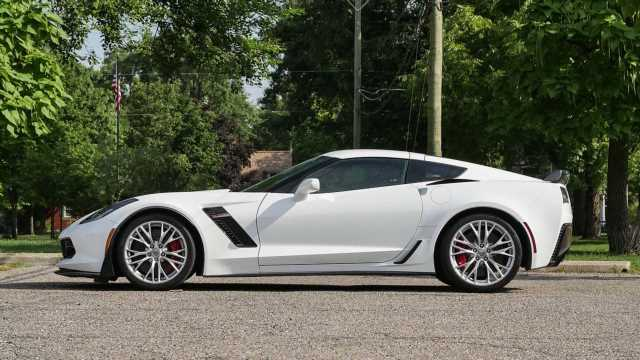 Chevy Corvette C7 Discounts Can Reach Nearly $9,500