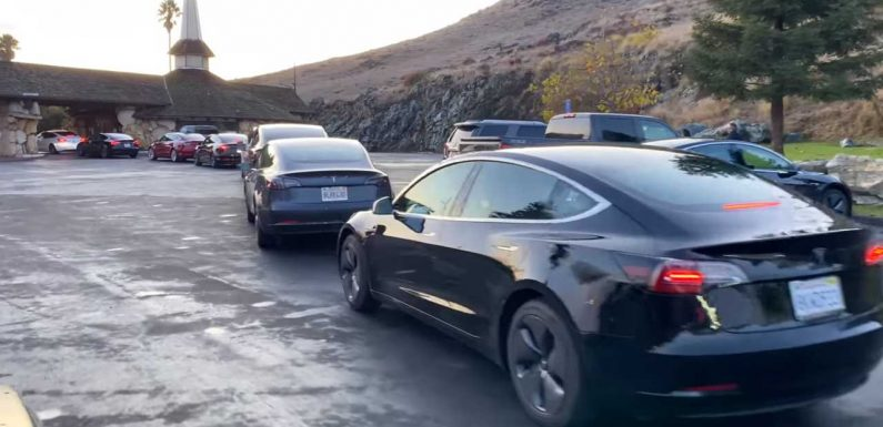 Thanksgiving Turns Yellow Light On For Tesla Supercharger Availability