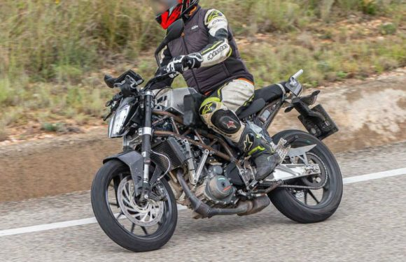 Updated KTM 390 Duke Spotted On Test Again