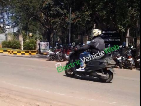 Bajaj Chetak rivaling TVS electric scooter spied