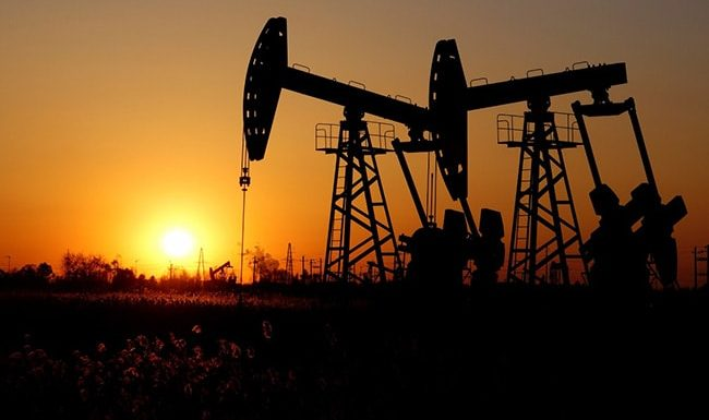 Oil Prices Drop Over $1 After Top Producers Delay Meeting To Discuss Output Cuts
