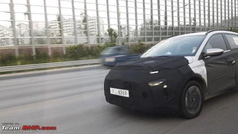South Korea: Hyundai compact MPV spied testing