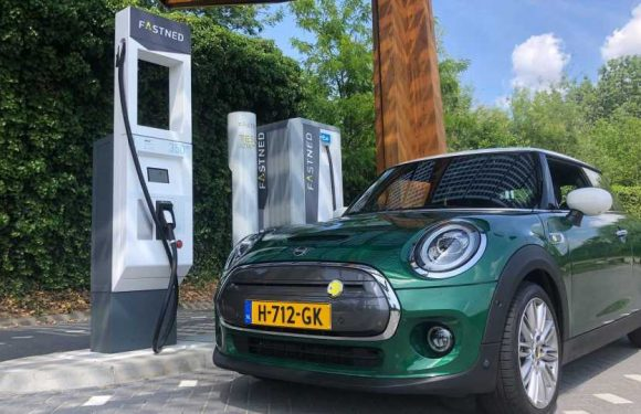 Fastned: MINI Cooper SE Accepts Up To 50 kW DC Charging Power