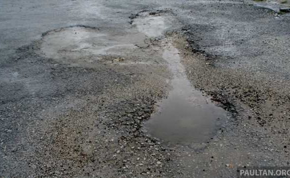 Negotiations underway to use portion of road tax revenue for repair of federal roads – works minister – paultan.org