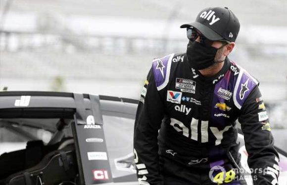 NASCAR: Jimmie Johnson medically cleared to resume racing