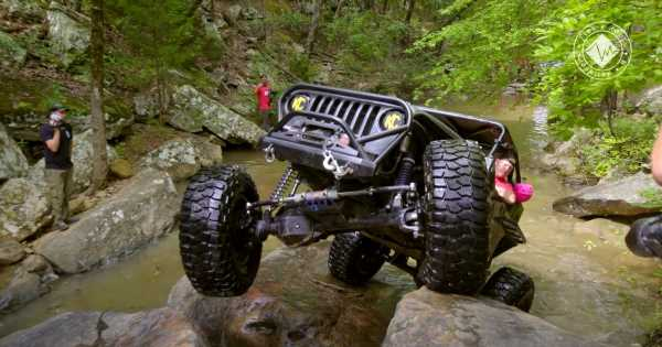 This Off-Road Challenge Is A Must-Watch For Flex Lovers