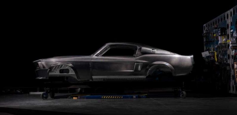This Carbon-Bodied 1967 Ford Mustang Shelby GT500 Recreation Will Set You Back $300,000