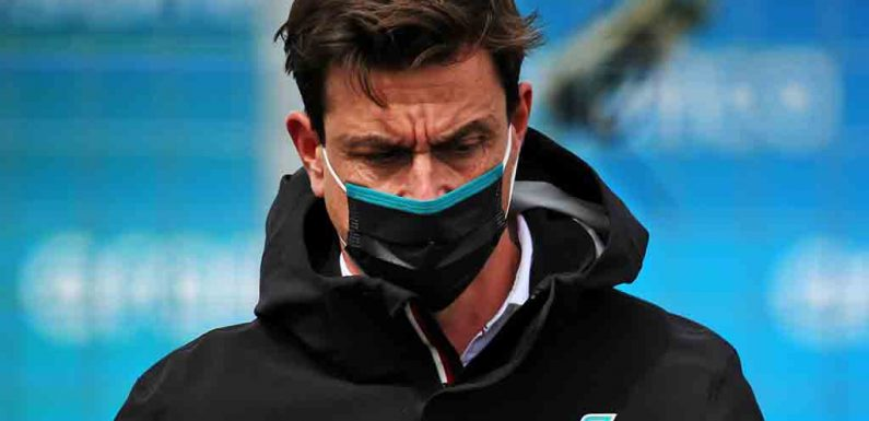 Niki Lauda-style role not an option for Toto Wolff