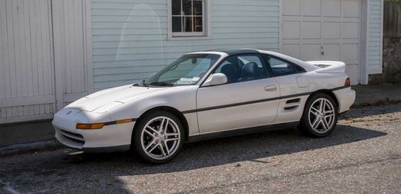 Here's a Street-Spotted, Second Generation Toyota MR2