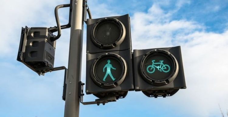 New traffic lights will see cars lose priority to cyclists & pedestrians in three cities