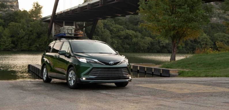 2021 Toyota Sienna Goes All Green