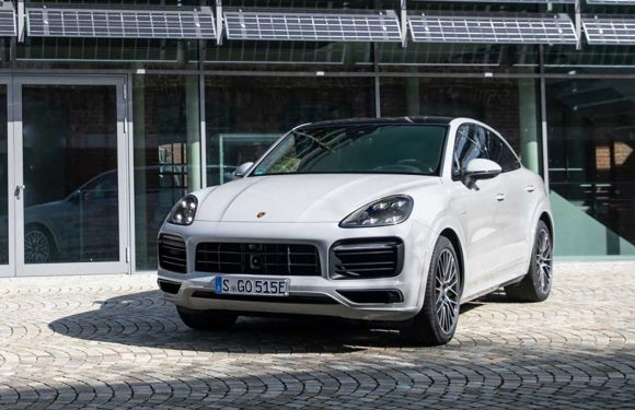 Porsche Cayenne E-Hybrid and S E-Hybrid updated with new battery