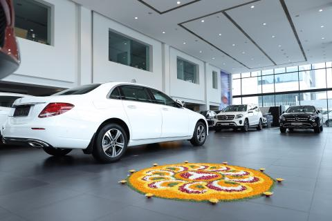 Mercedes delivers 550 cars during Navratri and Dussera