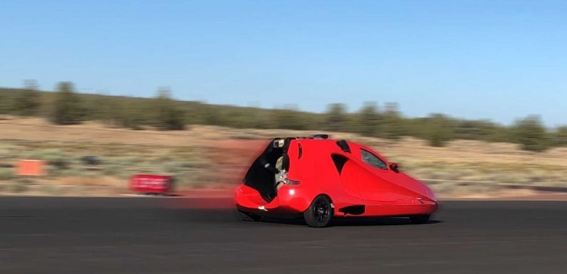 Switchblade Flying Car Doesn't Fly, But Drives Down Runway Like A Boss