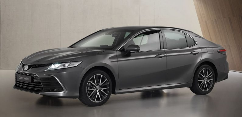 Toyota Camry Hybrid facelift debuts in Europe – larger infotainment display, expanded Toyota Safety Sense – paultan.org