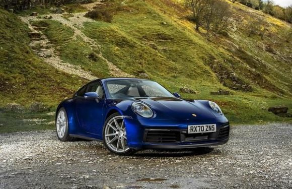 Porsche 911 (992) Carrera S manual | UK Review