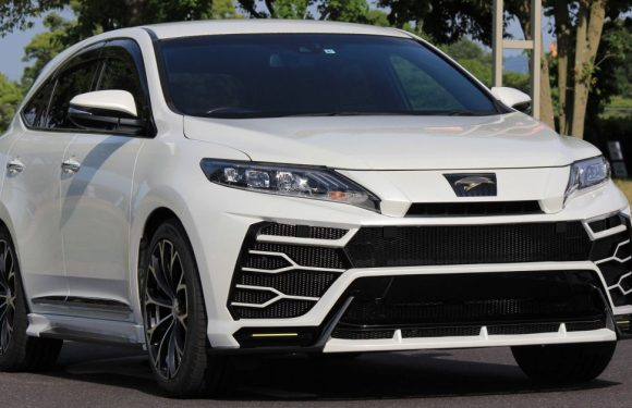Toyota Harrier with Craftech body kit – Urus clone – paultan.org