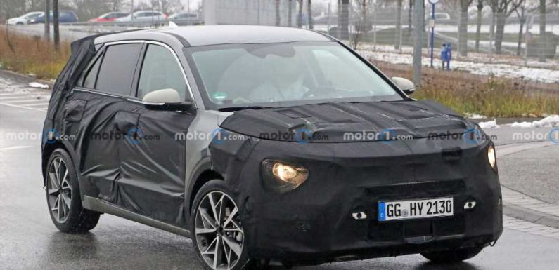 2022 Kia Niro Spied For The First Time With Habaniro Concept Styling