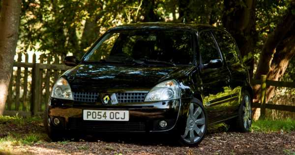 10 Things You Need To Know Before Buying A Renault Sport Clio 172/182
