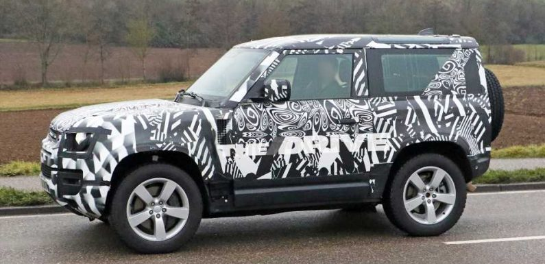 Two-Door V8 Land Rover Defender 90 Spotted Testing in Public