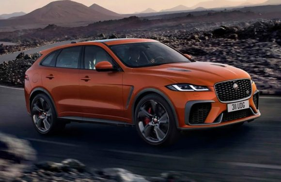 Jaguar's 2021 F-PACE SVR Carries a 550-Horsepower Supercharged V8