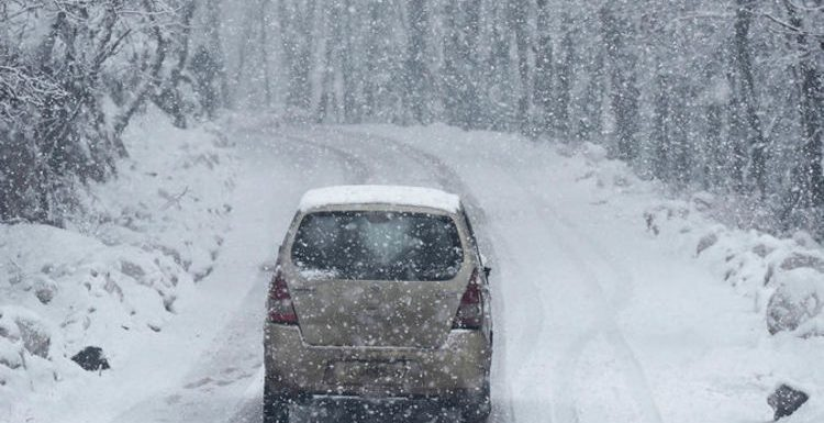 Driving in snow tips: How to drive in snow – should you use high or low gear?