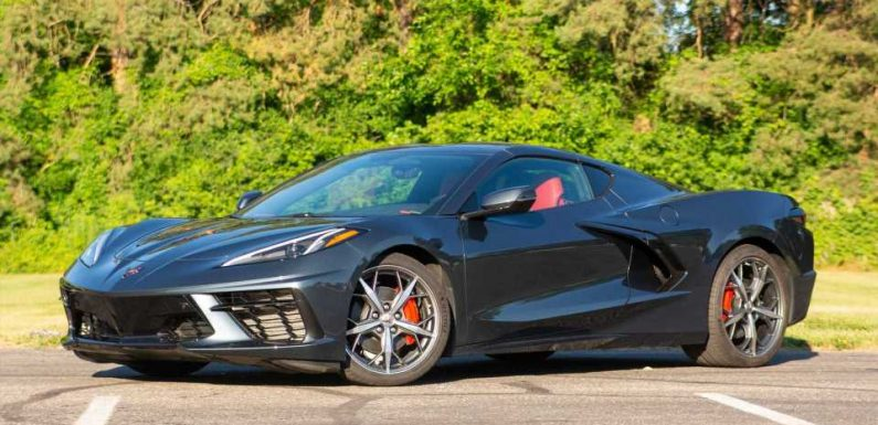 Corvette C8 Production Gets One-Week Suspension Due To Supplier Issues