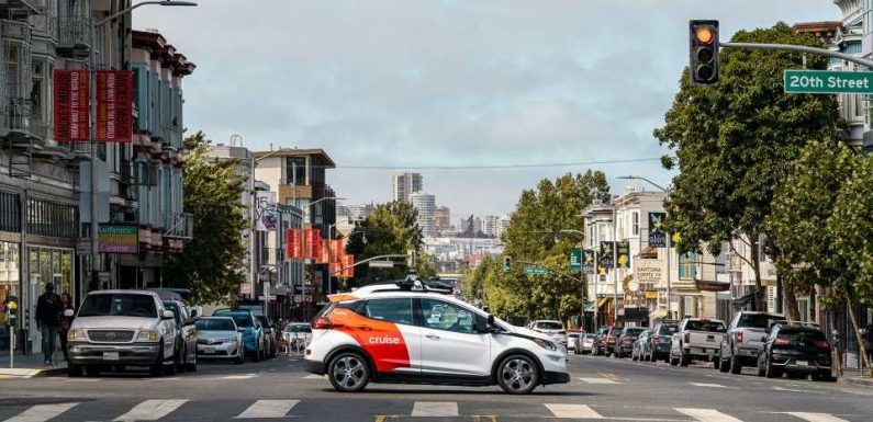 GM, Microsoft Team Up to Bring Cruise Robotaxis to the Street