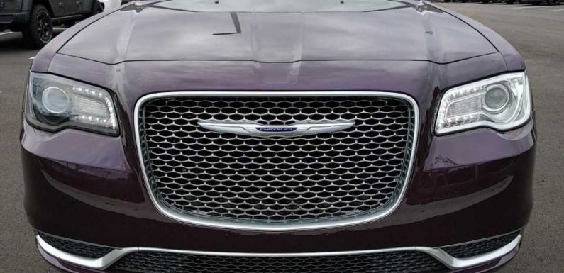 New Chrysler 300 Looks To Have Mismatched Headlights, Missing Trim