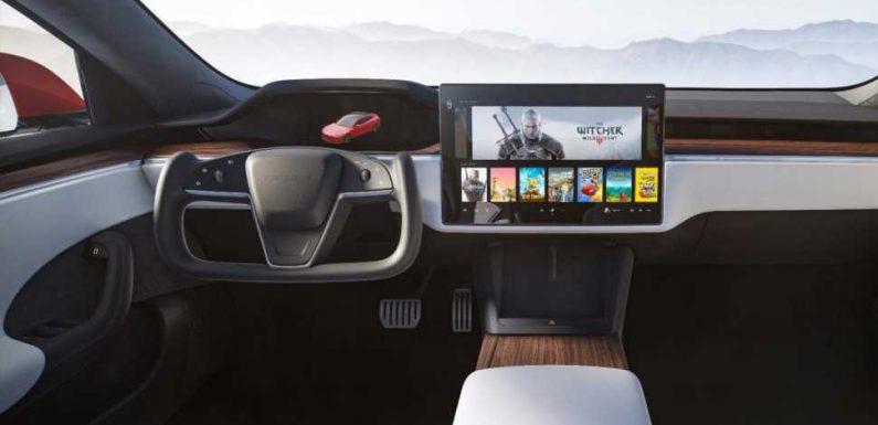 The Refreshed Tesla Model S Has a Goofy KITT-Style Steering Wheel