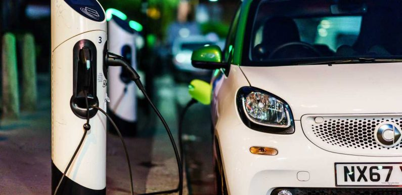 Government invests another £20m in kerbside electric car chargers