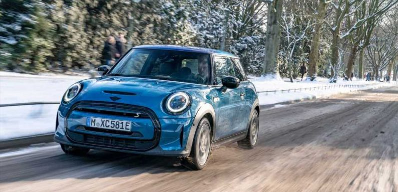 MINI Introduces Cooper SE Electric Collection