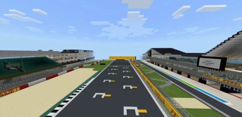 F1 Superfans Spent Months Recreating Silverstone Circuit in <em></noscript>Minecraft</em> and It's Uncanny