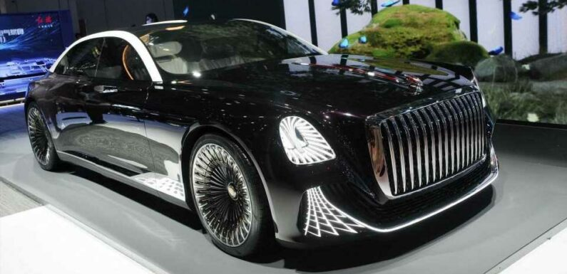 Hongqi L-Concept Debuts As Three-Seat Limo With No Steering Wheel
