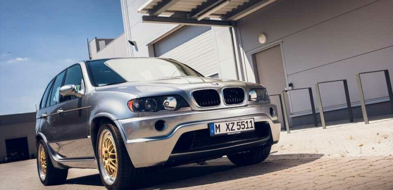 Let's Remember When BMW Stuffed a McLaren F1 V12 in an X5 for Fun