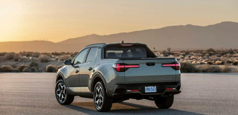 The Big Surprise of Hyundai's 2022 Santa Cruz: It Can Tow a Lot
