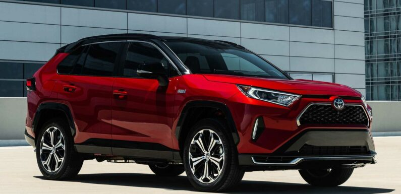 Toyota Suspends Production Of Its Bestselling Model Due To COVID