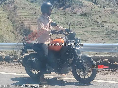 Yamaha FZ-X spied undisguised during ad shoot