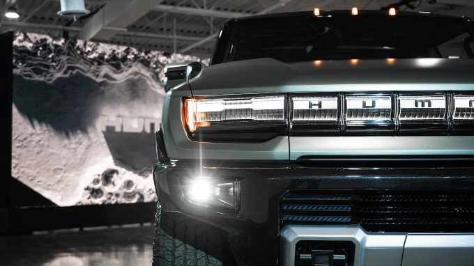 2024 GMC Hummer EV SUV Tech Highlights: What to Know About the Electric Off-Roader