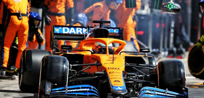 Daniel Ricciardo behind slow McLaren pit stop at Portimao